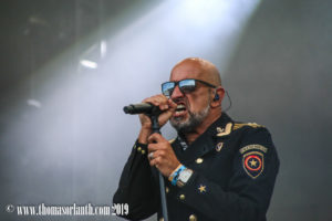 Read more about the article Eisbrecher – Hellfest 2019